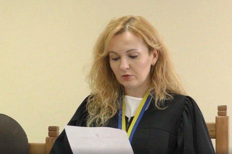 Луцька суддя прикупила землі з будинком за майже 1,7 мільйона гривень