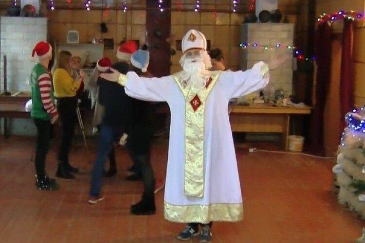 У Луцьку почала роботу Фабрика святого Миколая