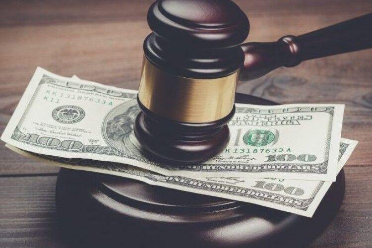 На Волині судовий підрядник підбурював громадян, щоб давали хабар судді