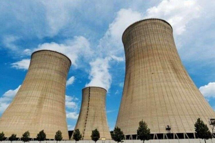 На догоду Кремлю Київ зупиняє будівництво сховища ядерного палива у Чорнобилі