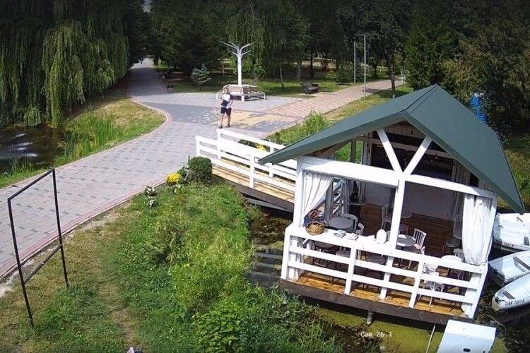 У луцькому парку встановили 80 камер