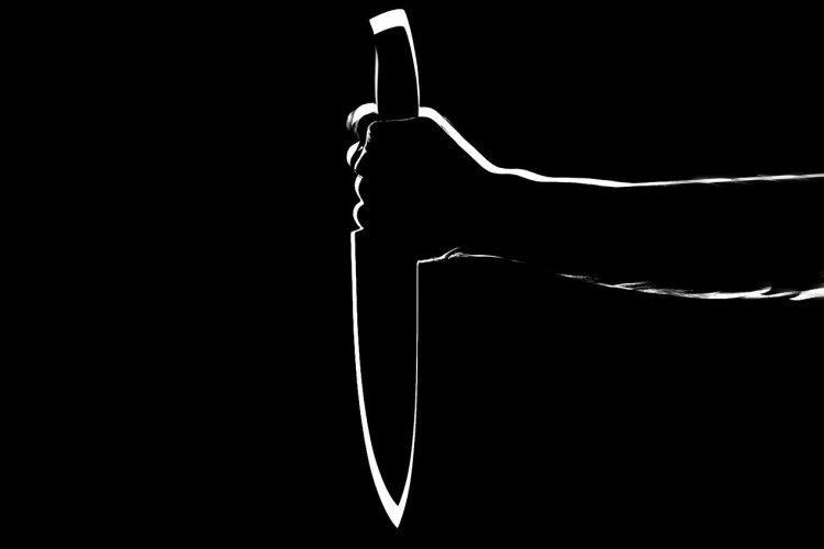 У Луцьку на Ковельській в чоловіка встромили ніж