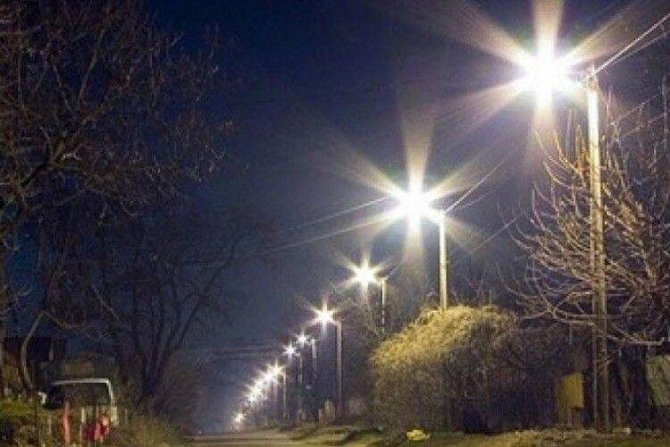 Лучани вимагають від влади увімкнути світло на дорогах