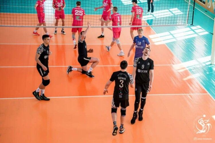 Волейбол: почалася боротьба за місце в Суперлізі