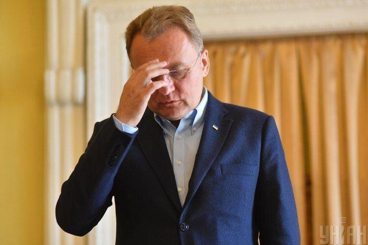 Андрій Садовий потрапив у журналістський скандал, від нього вимагають вибачень