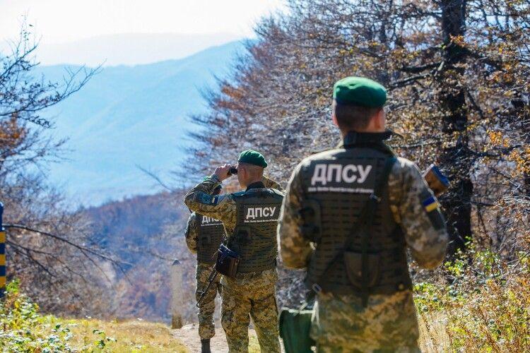 На Волині затримано двох нелегальних туристів, які «здали себе» мешканцям прикордоння