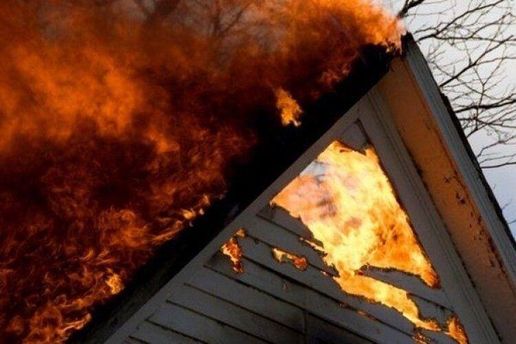Через невдалу конструкцію печей мало не згоріла хата в Старовижівському районі