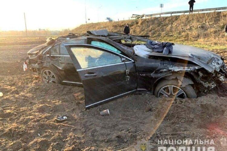 Смертельна ДТП на Рівненщині: водій дорогого мерседеса не впорався з керуванням (Фото)