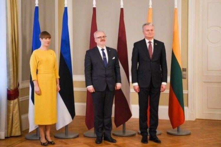 Президенти країн Балтії засудили спроби РФ переписати історію