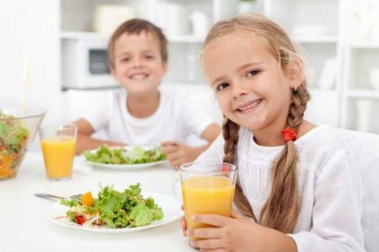 У 5 школах Львова діти з батьками зможуть складати шкільне меню