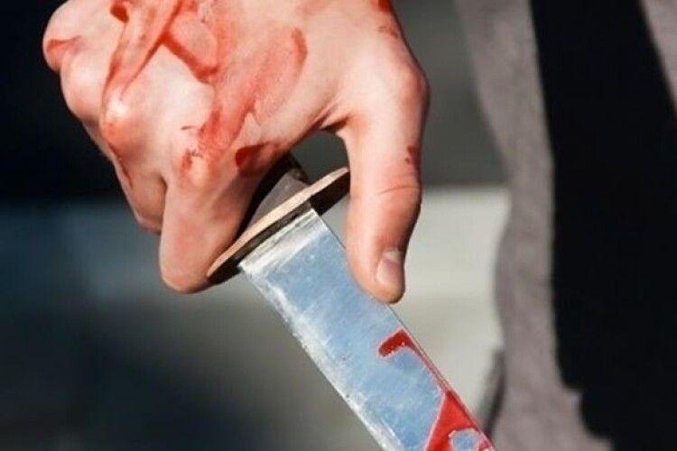 Волинянина, який порізав дружину, брата і поліцейського, хочуть взяти під варту