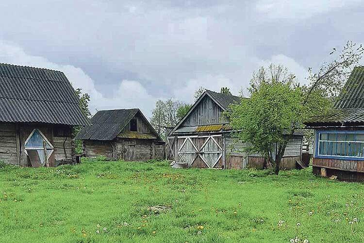 Волинянка розповіла, як у війну, якраз на Чесного Хреста, волинське село спалили