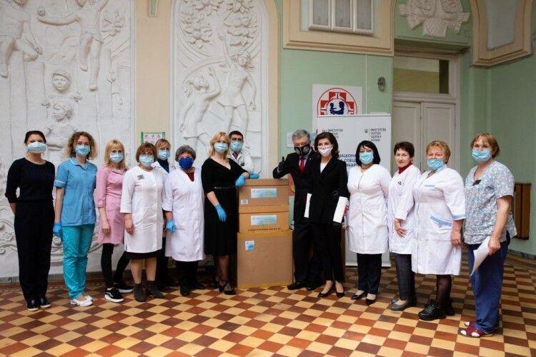 Чергову партію ІФА-тестів від Порошенка отримали медичні заклади у різних регіонах України