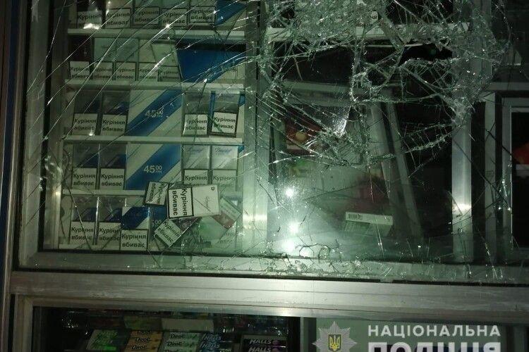 Житель Рівненщини серед ночі побачив злодія і кинувся доганяти
