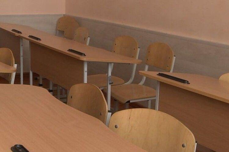 У місті на Волині через коронавірус вся школа йде на дистанційне навчання