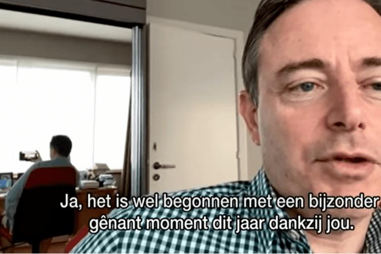 Мер Антверпена вийшов у прямий ефір без штанів (Відео)
