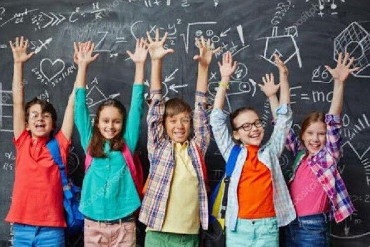 Освітній омбудсмен: «Примус до носіння шкільної форми порушує права учнів»