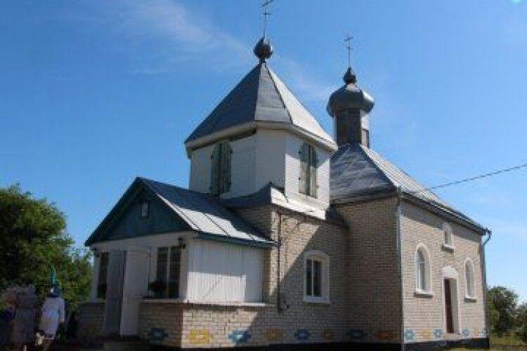 Митрополит Луцький і Волинський Михаїл освятив церкву