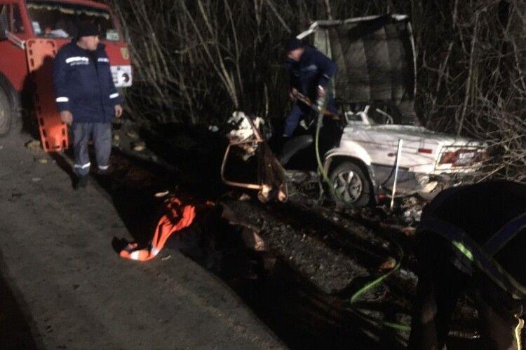 Страшна аварія на Волині: потерпілого «вирізали» з машини