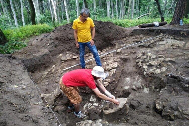 Біля Львова знайшли сліди стародавньої цивілізації