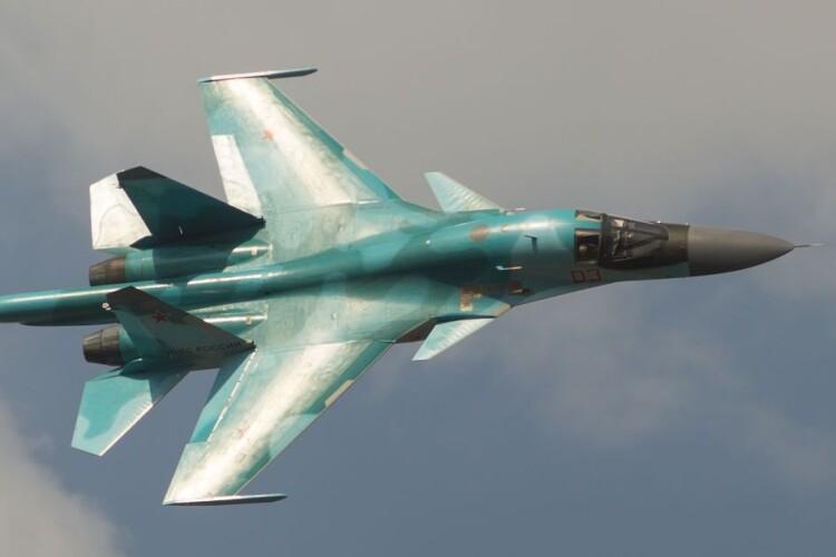 Росія відкрила вогонь по британському есмінцю поблизу окупованого Севастополя
