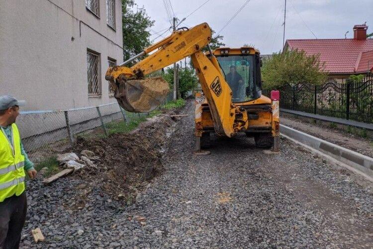 У Ківерцях ремонтують Привокзальний провулок