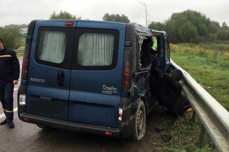 На Рівненщині у ДТП загинули дві людини (Фото)