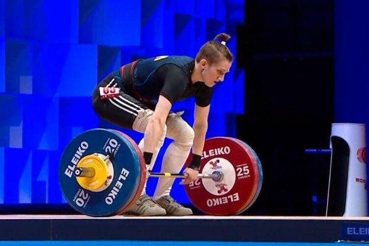 Українка Каміла Конотоп виборола відразу три золотих нагороди на Чемпіонаті Європи з важкої атлетики, який проходить в Москві