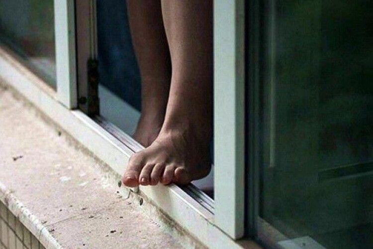 В Одесі 11-річний хлопчик загинув внаслідок падіння з балкону 19 поверху