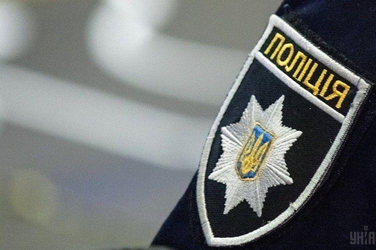 Водій «Мерседеса» наїхав на двох жінок-патрульних