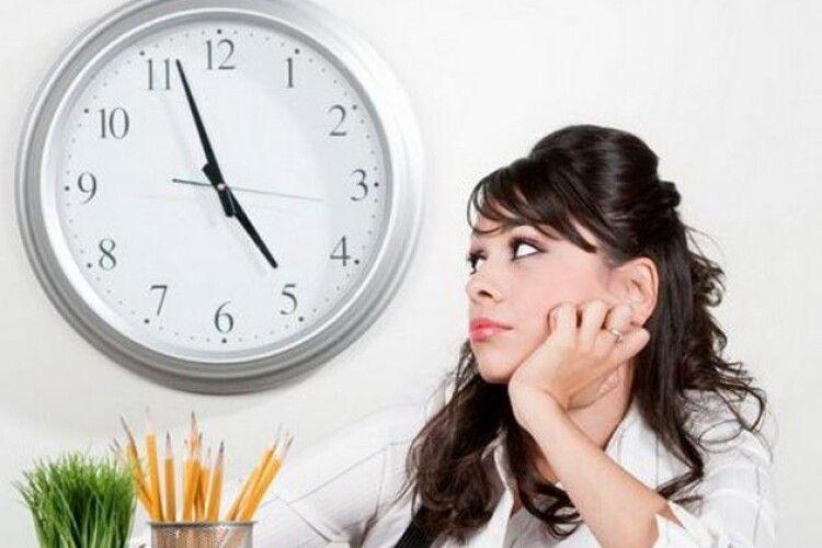 Від Зеленського вимагають скоротити тривалість робочого дня на одну годину