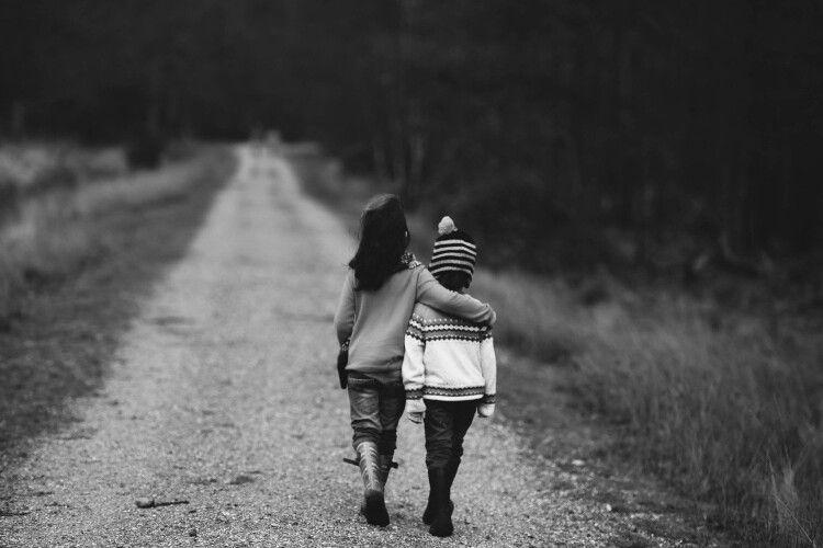 «Б'є мама і старший брат»: двоє дітей пішли з дому на 100 кілометрів (Фото)