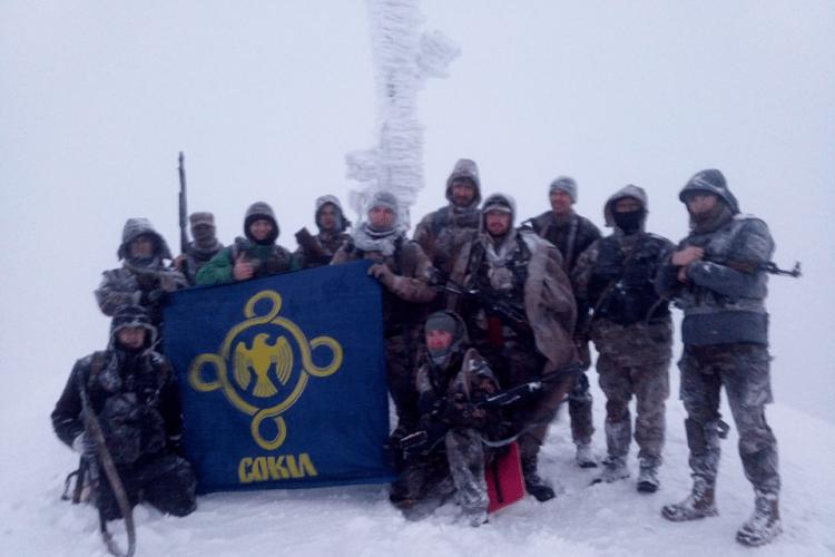 «Снігу по пояс, холодний вітер і мороз», – сміливі ковельчани підкорили гору Параску