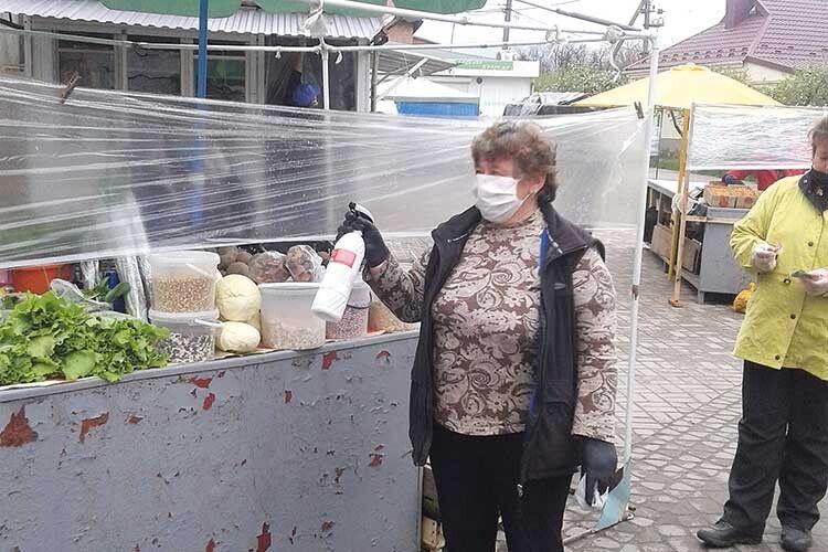 Завідувачка ринку у Ківерцях: «Мидуже радіємо,щопочали працювати»