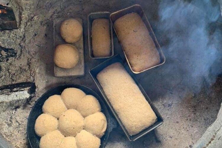 Рівненська мисткиня спекла гречаний хліб у печі  XI-XII століття (Фото)