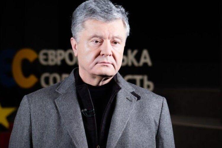 Після рішення РНБО причетним особам мають бути вручені підозри і обраний запобіжний захід – Петро Порошенко
