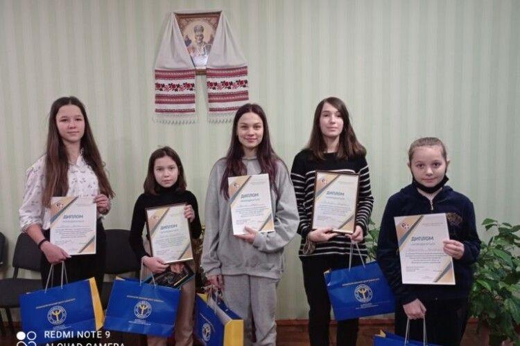 У Нововолинську відзначили переможців профорієнтаційного конкурсу малюнків та аматорських відеороликів