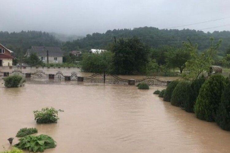 Вода знищила 22 тисячі домогосподарств на Західній Україні – Аваков