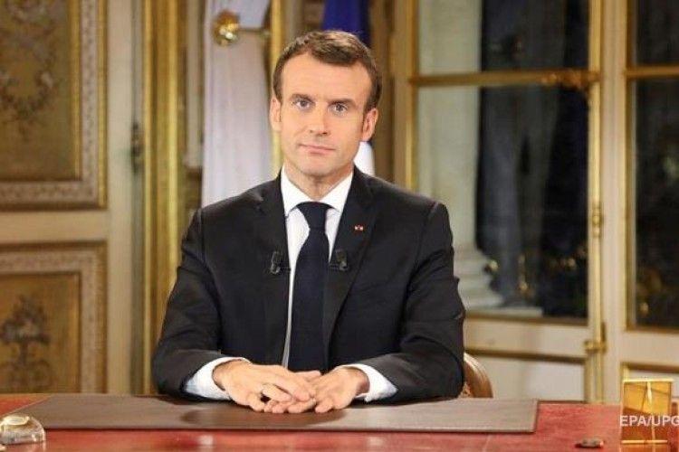 Макрон звернувся до Франції: надзвичайний стан та нові економічні кроки