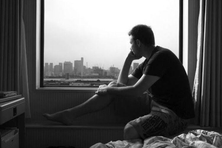 «Софія, люби нашу маму»: чоловік покінчив життя самогубством, бо боявся коронавірусу