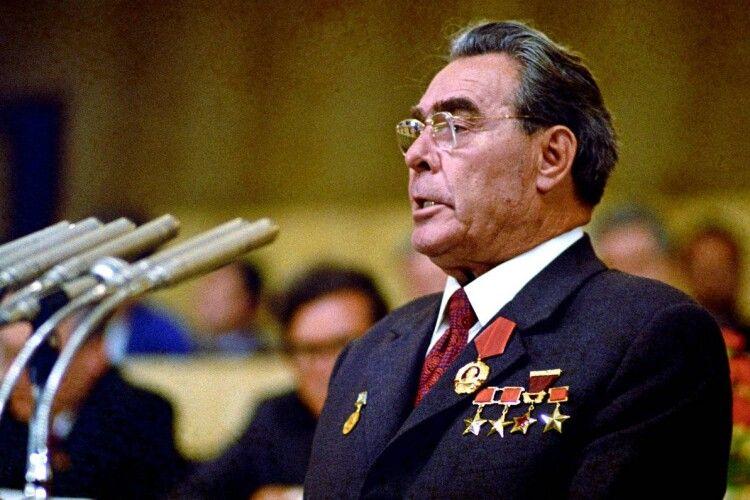 Богдан заявив, що Зеленський перетворюється на Брежнєва