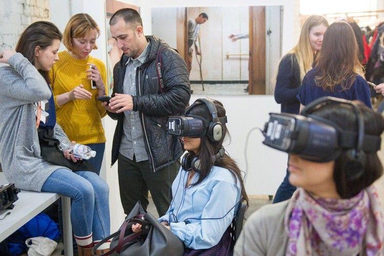 Окуляри, щоб бачити: історія українця із США, який знімає нашу війну у VR