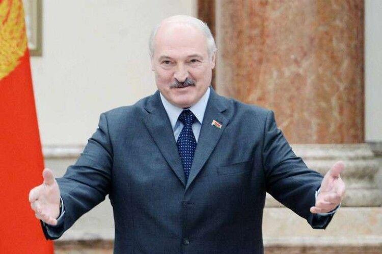 «Візьмемо українців». Лукашенко погрожує білоруським медикам