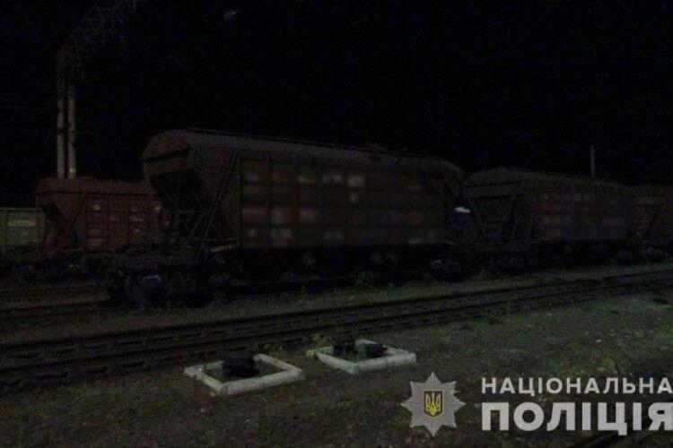 На залізниці від ураження струмом загинув  молодий чоловік