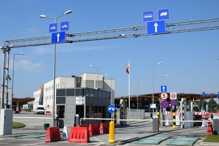 На кордоні з Польщею – черги автомобілів