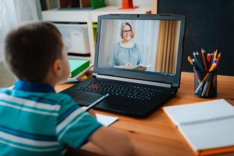 Скільки має тривати заняття під час дистанційного навчання: пояснення МОЗ