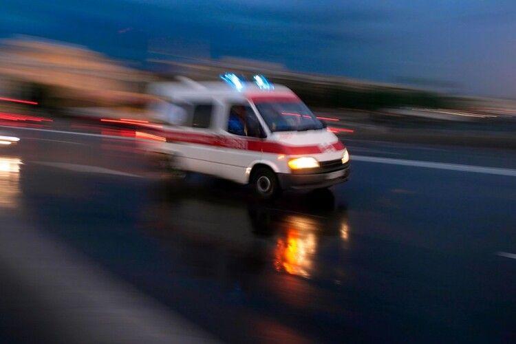 На Волині медики врятували п'яного «шумахера»