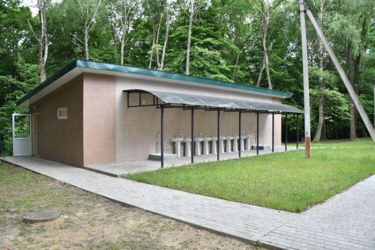 У дитячому таборі «Ровесник» біля Луцька провели косметичний ремонт (фото)