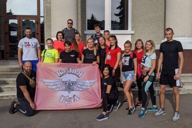 Нововолинці у нічному поході здолали 50 кілометрів Волинню