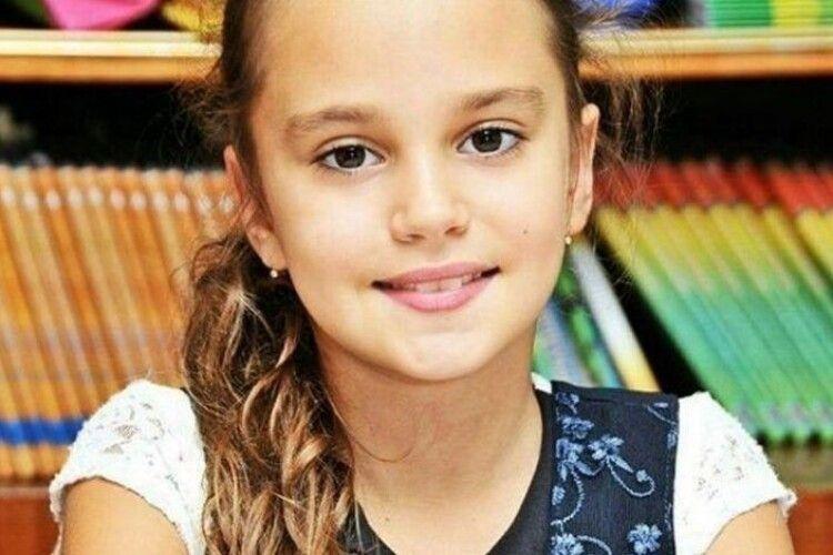 Вбивця 11-річної Дарини Лук'яненко перерізав собі горло у суді